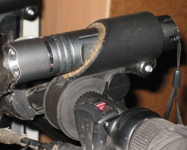 Универсальное велосипедное крепление для фонарей и лазеров (15-25мм)
