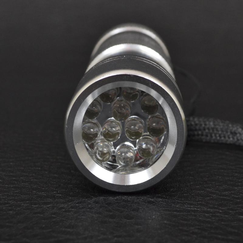 Фонарь светодиодный. Ультрафиолетовый 12 LED (УФ - 395nm~400nm, 3xAAA), серебристый
