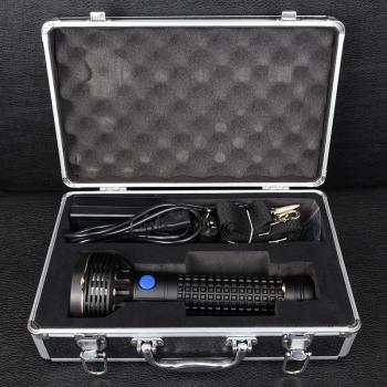 Фонарь Olight SR96 Intimidator (3xCree MK-R, 4800 люмен, 4 режима), комплект