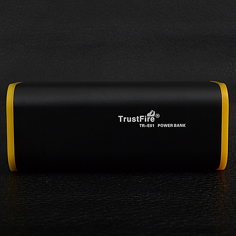 Power Bank TrustFire E01 (4x18650)