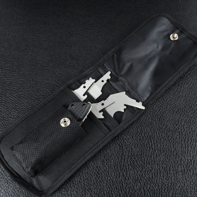 4 в 1 - Набор топор, два ножа, пила (длина макс: 29.7cm), рукоять пластмасса