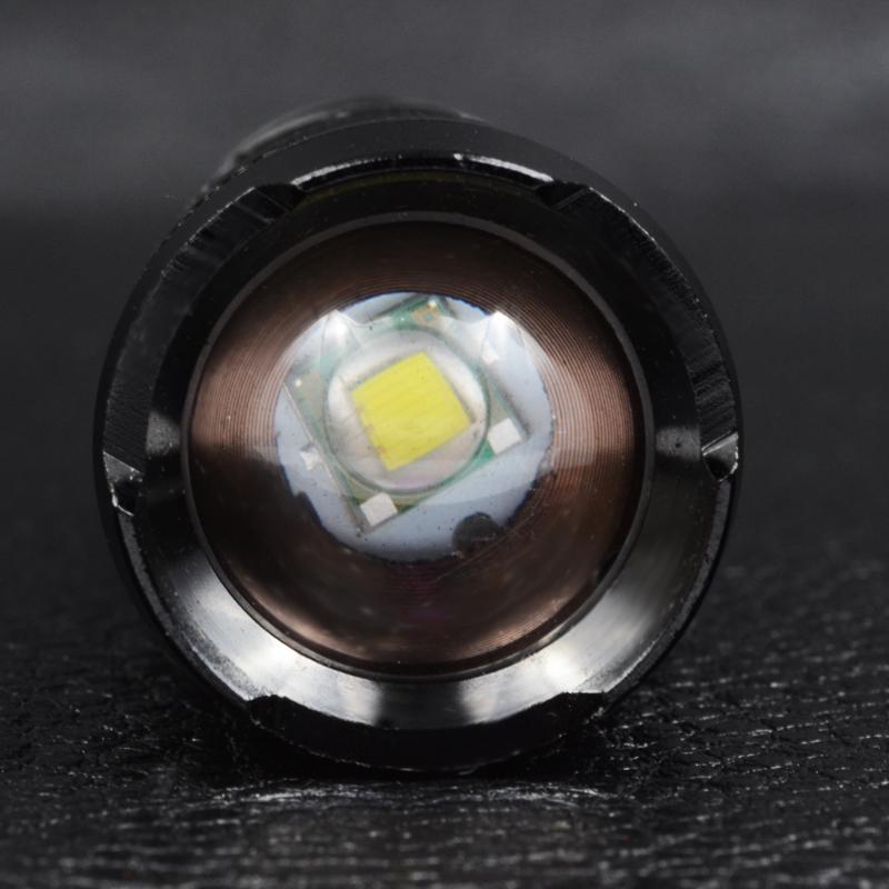 Фонарь фокусируемый Bailong BL-1812 (Cree XM-L T6, 500 люмен, 5 режимов, 1х18650), комплект