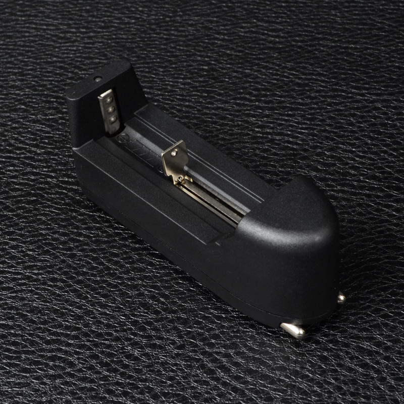 Зарядное устройство для литиевых аккумуляторов (18650, 14500, 16340, CR123A)