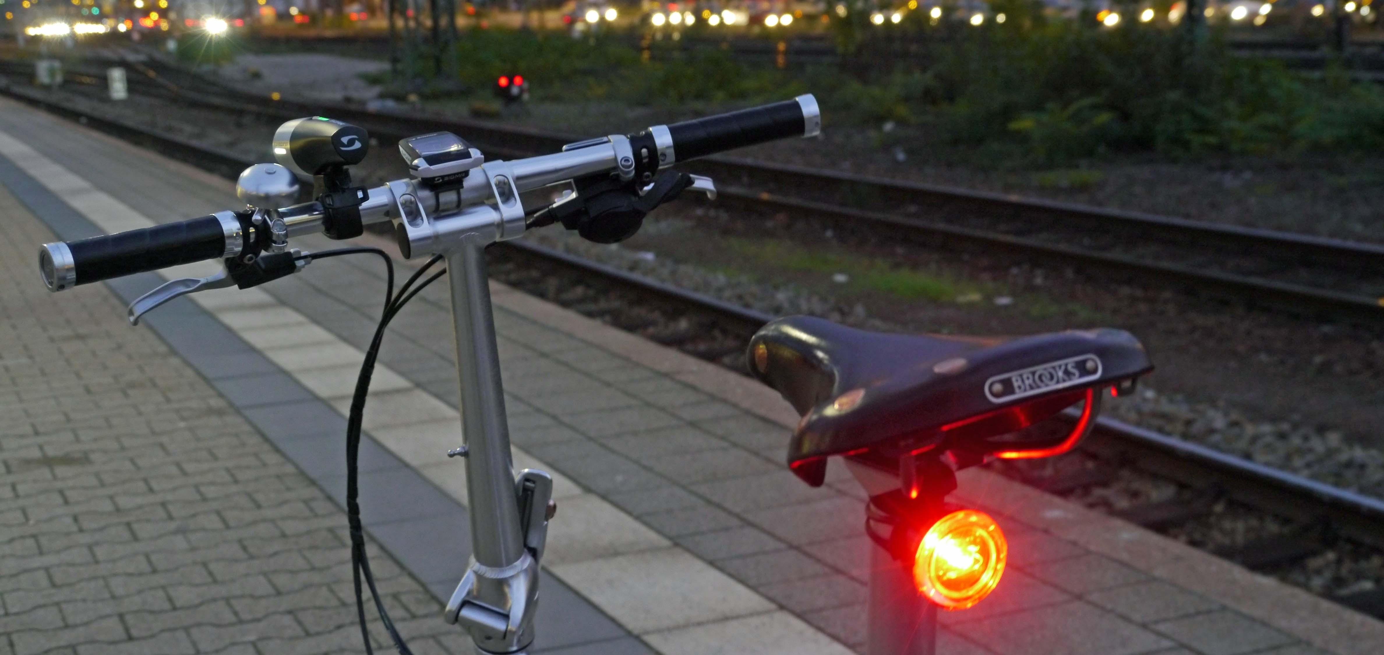 Задняя фара велосипеда